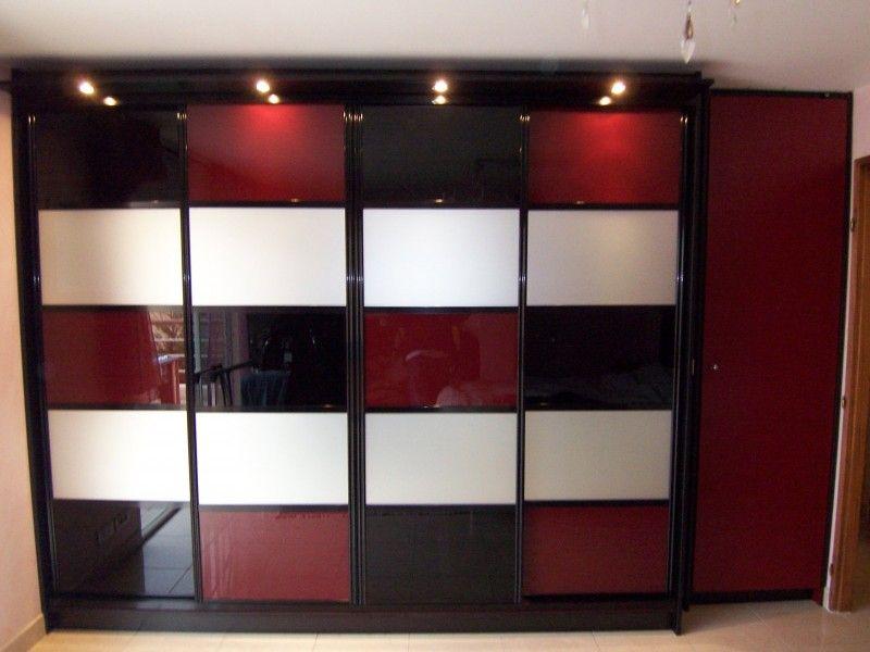 Fa ade de placard avec vantaux coulissants design en verre laqu avec travers - Bibliotheque en verre design ...