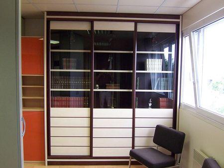 porte coulissante en verre laqu contemporaine pour placard vente de placards et dressing sur. Black Bedroom Furniture Sets. Home Design Ideas